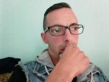 lakatos 31 éves társkereső profilképe