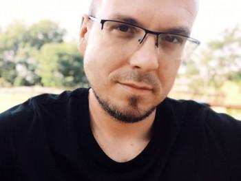 Istone 37 éves társkereső profilképe
