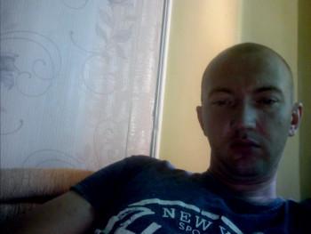 Vasil 31 éves társkereső profilképe