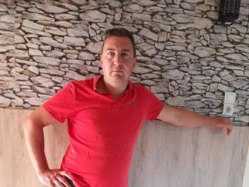 Csabi srác 32 éves társkereső profilképe