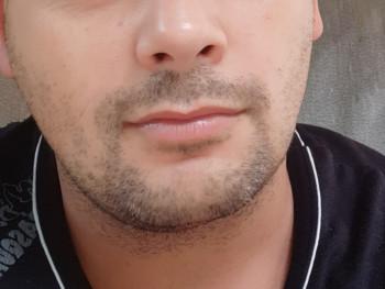 titkosan 38 éves társkereső profilképe