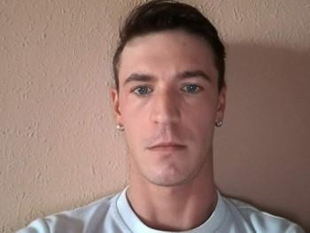 sanyi0313 31 éves társkereső profilképe