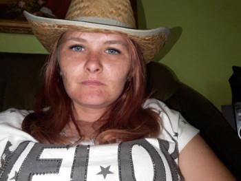 Hermina Heni 28 éves társkereső profilképe