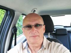 Misi 61 - 60 éves társkereső fotója