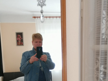 Lizi33 52 éves társkereső profilképe