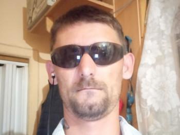 Csaba 36 37 éves társkereső profilképe
