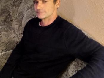 bandyta 44 éves társkereső profilképe