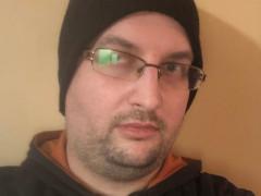András323 - 34 éves társkereső fotója