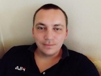 laci246 31 éves társkereső profilképe