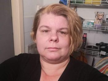 Sztimi 47 éves társkereső profilképe